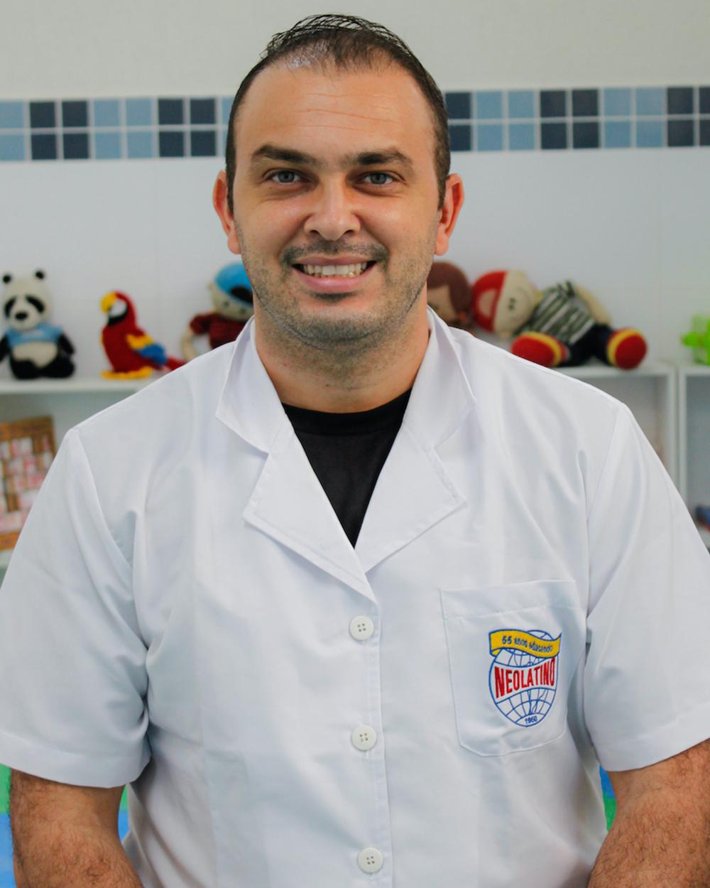 Prof. JOSÉ ROBERTO